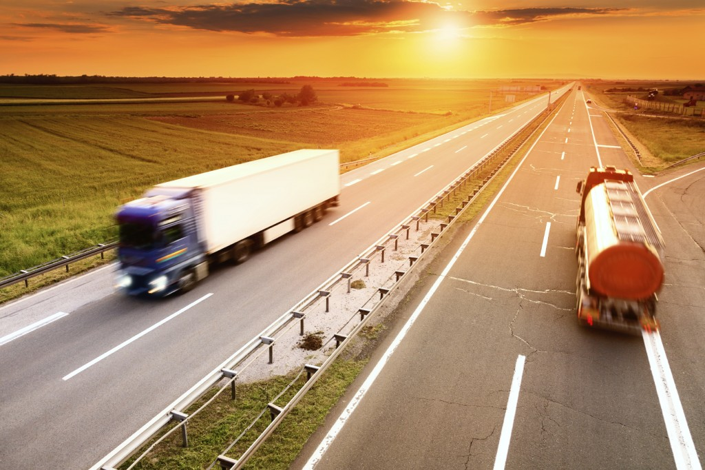 April 7, 2017- We have a set of dueling guest op-eds for and against the idea of allowing twin trailer combinations of up to 33 feet each to be towed on Interstate highways and other major federal-aid roads.