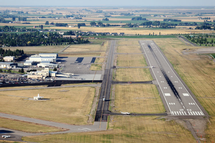 How does the federal government subsidize air service to small communities?