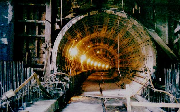 Metro under construction at the Navy Yard in 1989. Photo: Wikipedia