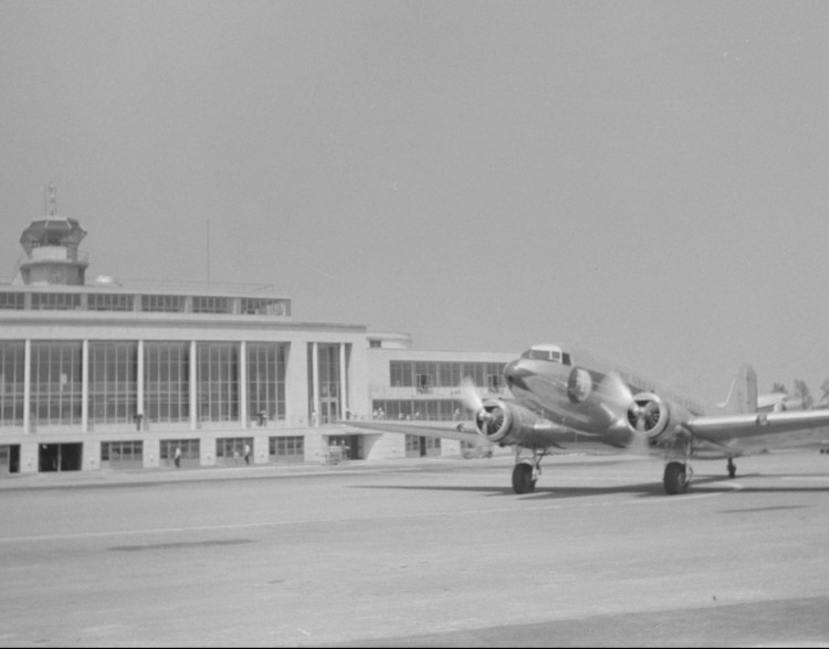 Washington_National_Airport_1941_LOC_fsa.8a36214